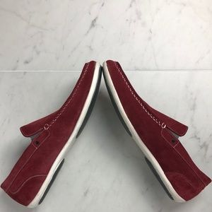 ~Kenneth Cole Reaction~ Red Suede Driving Loafer